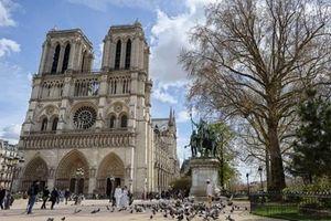 Hình ảnh nhà thờ Đức Bà Paris đẹp huyền ảo trước vụ cháy lớn