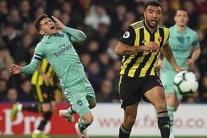 Thủ môn Watford 'tặng' bàn thắng hy hữu, Arsenal vào Top 4