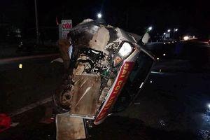 Xe ô tô đầu kéo va chạm với xe ô tô con, nhiều người bị thương