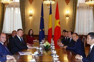 Thủ tướng Nguyễn Xuân Phúc hội kiến Tổng thống Romania