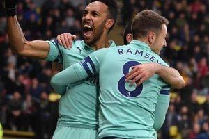 Thi đấu hơn người trước Watford, Arsenal giành 3 điểm trọn vẹn