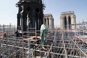 Pháp điều tra hình sự vụ cháy Nhà thờ Đức Bà Paris