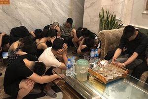 Phát hiện gần 40 nam nữ thanh niên cùng lượng lớn ma túy tại quán hát