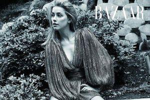 Amber Heard buông lơi đầy khiêu khích với mốt không nội y