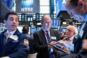 Chứng khoán Mỹ giảm điểm vì lợi nhuận ngân hàng gây thất vọng