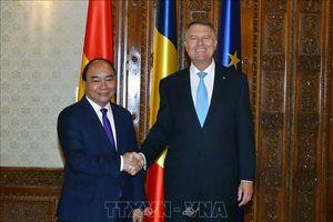 Thủ tướng Chính phủ Nguyễn Xuân Phúc hội kiến các nhà lãnh đạo Romania
