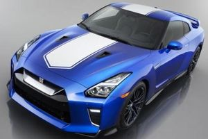 Nissan GT-R 2020 gợi nhớ tới thế hệ R34 nhờ màu sơn Bayside Blue
