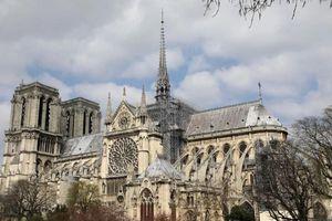 Nhà thờ Đức Bà Paris: 8 thế kỷ thăng trầm trước khi bị lửa dữ tàn phá