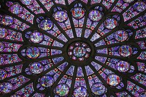 Những bảo vật vô giá được lưu giữ tại nhà thờ Đức Bà Paris