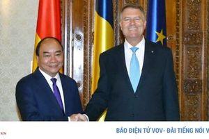 Thủ tướng kết thúc chuyến thăm Romania, hai nước ra Tuyên bố chung