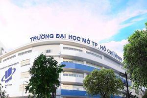Trường ĐH Mở TP.HCM ngưng dùng chai nước và ống hút nhựa