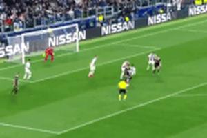 Không dùng VAR, trọng tài từ chối bàn thắng siêu phẩm của cầu thủ Ajax