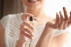 Nước hoa sẽ giữ mùi hương lâu hơn nếu bạn làm những điều này