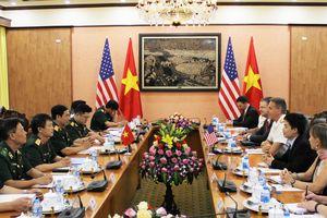 Tư lệnh Bộ Tư lệnh Ấn Độ Dương - Thái Bình Dương Hoa Kỳ thăm Việt Nam