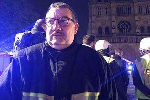 Người hùng chống khủng bố Paris tham gia ứng cứu vụ cháy nhà thờ Đức Bà Paris