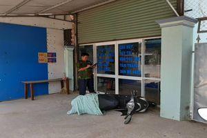 Bình Dương: Vờ làm khách vào cắt tóc để cướp tài sản