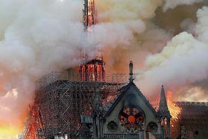 Ông Macron cam kết phục dựng Nhà thờ Đức Bà Paris trong vòng 5 năm
