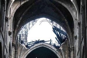 Tổng thống Pháp cam kết việc xây lại nhà thờ Đức Bà Paris trong vòng 5 năm tới
