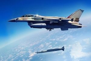 Israel sử dụng tên lửa hành trình siêu âm tấn công quân đội Syria