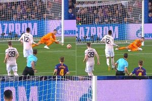 Thua Barca, Fan MU quay sang chỉ trích De Gea