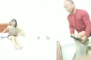 Người chồng bắt quả tang vợ giáo viên quan hệ bất chính với đồng nghiệp: 'Vợ tôi không hối lỗi, 2 năm qua tôi nghĩ tới con mà tha thứ nhiều lần'