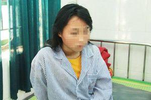Nữ sinh ở Hưng Yên vẫn hoảng loạn sau 1 tháng bị bạn học lột đồ, đánh đập