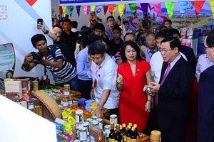 Central Group Việt Nam thu mua sản phẩm OCOP ngay tại Hội chợ quốc tế OCOP năm 2019