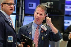 Dow Jones tăng điểm nhờ cổ phiếu Boeing, S&P 500 nhích gần đến kỷ lục