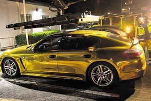 Xe Porsche Panamera 'mạ vàng' bất ngờ bị cảnh sát tịch thu