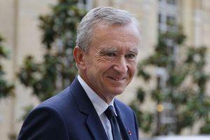 Quốc tế nổi bật: Louis Vuitton hỗ trợ khủng cho Nhà thờ Đức bà Paris