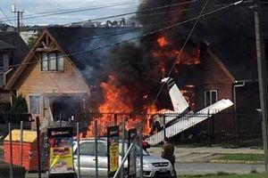 Chile: Máy bay nhỏ rơi, cắm thẳng xuống nhà dân, làm 6 người thiệt mạng