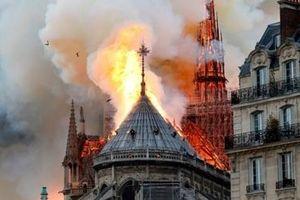 Hàn gắn 'trái tim Paris' bị tổn thương