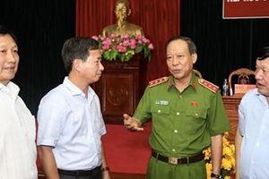 Thứ trưởng Lê Quý Vương và Đoàn Đại biểu Quốc hội tỉnh Hưng Yên tiếp xúc cử tri