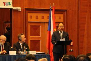 Thiết lập đường bay thẳng sẽ thúc đẩy đầu tư giữa Séc và Việt Nam
