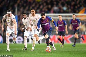 Đứng cạnh Barca, MU chỉ là 'kẻ học việc' ở Champions League