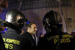 Tổng thống Pháp tuyên bố sẽ xây lại Nhà thờ Đức Bà trong vòng 5 năm