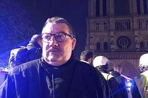 Thân thế bất ngờ của người đàn ông lao vào biển lửa, đối mặt tử thần để cứu lấy vương miện gai của Chúa trong đám cháy tại Nhà thờ Đức Bà Paris