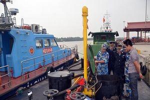 Phát hiện hai tàu Hàn Quốc bơm xăng A95 trái phép
