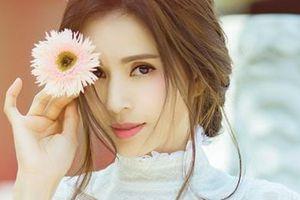 'Tiểu Long Nữ đẹp nhất màn ảnh' khoe nhan sắc tươi trẻ tuổi 46