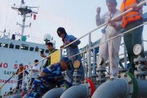 Nhiều cơ quan kiểm soát, xăng dầu lậu trên biển vẫn 'chui lọt' đất liền?