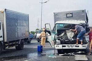 Va chạm giữa hai xe tải, hai người tử vong