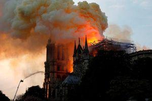 Nghi ngờ chập điện gây cháy nhà thờ Đức Bà Paris