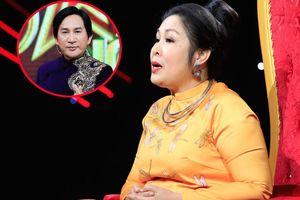 Hồng Vân phàn nàn Kim Tử Long khi làm giám khảo