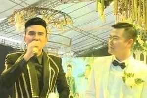 Xôn xao clip anh Bo Đan Trường hát tại 'siêu đám cưới' ở Hưng Yên