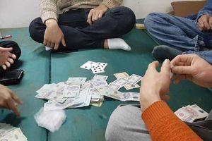 Phó trưởng công an xã nhận hối lộ khi đi bắt sòng bạc