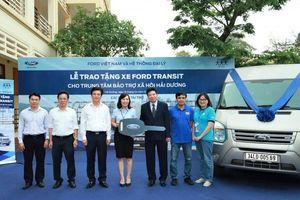Ford Việt Nam tặng ô tô cho trung tâm bảo trợ xã hội tỉnh Hải Dương