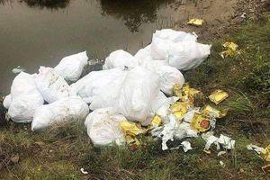Bắt 3 nghi phạm vứt chỏng chơ 700kg ma túy ngay giữa đồng muối