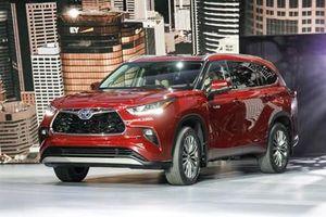 Toyota Highlander thế hệ mới lột xác toàn diện, nghênh chiến Ford Explorer