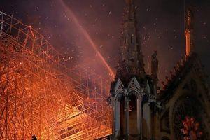 Công bố nguyên nhân ban đầu vụ cháy Nhà thờ Đức Bà Paris