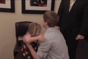 Justin Bieber bật cười khi fan 3 tuổi muốn làm đám cưới với mình